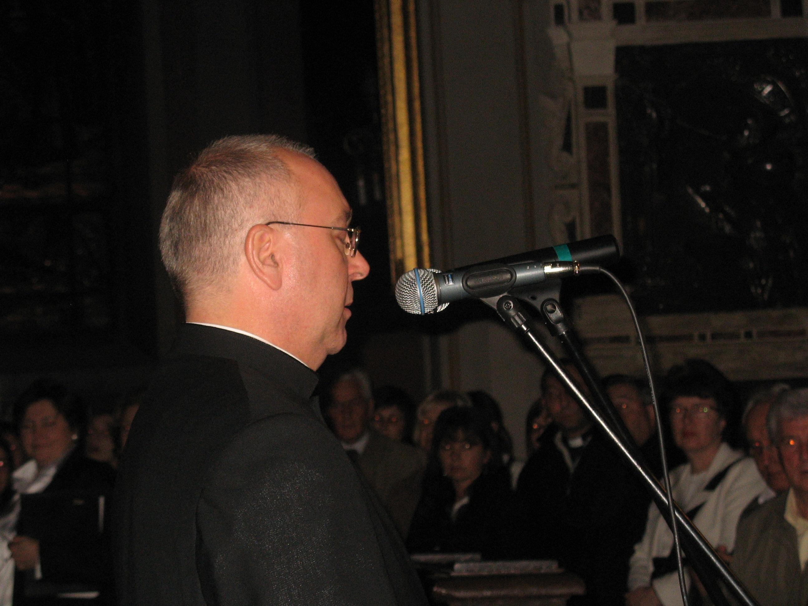 Proboszcz parafii katedralnej ks. Janusz Filarski